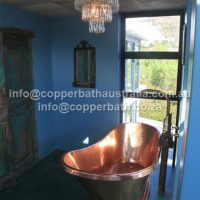 Exotic copper bath installation single slipper